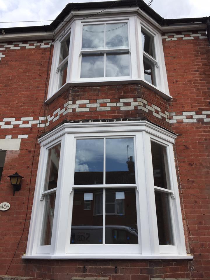 Bay sash windows